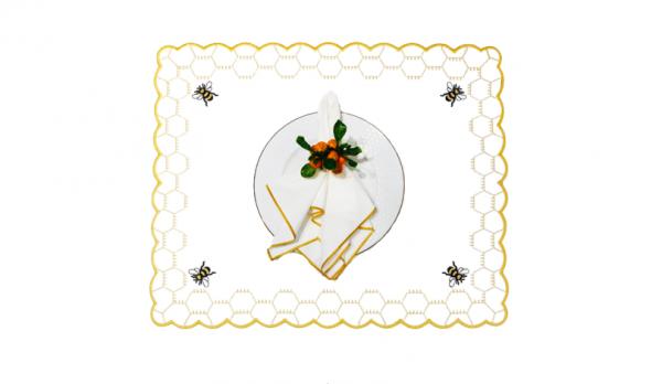 Imper abelha fundo branco 1